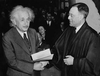 albert-einstein-62931_640 (Copy)